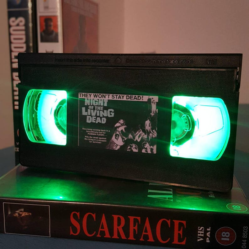 Man Cave Retro VHS Lamp The Texas Chainsaw Massacre Night Light Table Lamp Great Birthday Gift Horror 80s Movie Order any movie