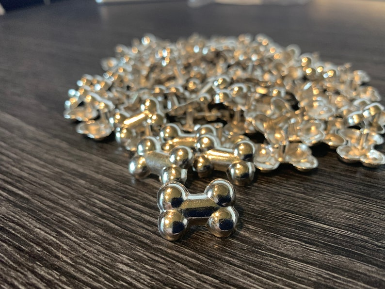 Decorative studs for leather collars image 1