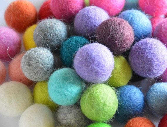 Christmas Nursery Garland  decoration Pom Pom 2 cm Pure wool Felt Balls Craft