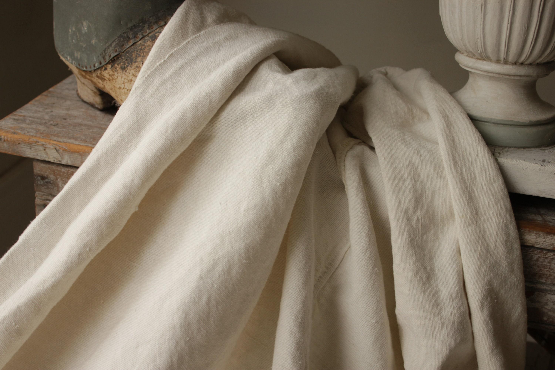Linen Antique tissu vintage Feuille Français matière organique 44 pouces par 80 pouces