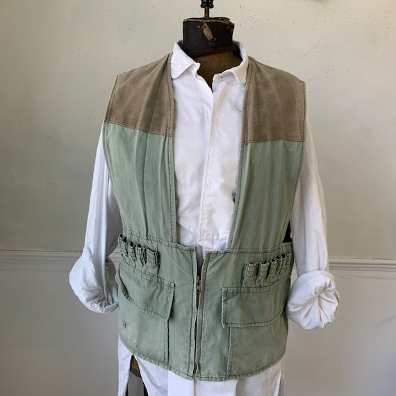 Vintage French hunting vest green with shell holde
