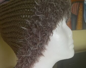 Loom Hand Knitted Ladies Chunky Hat with Fur Wool Trim