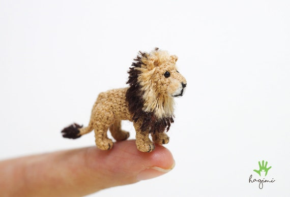 Tiny lion amigurumi pattern - Amigurumi Today | 388x570
