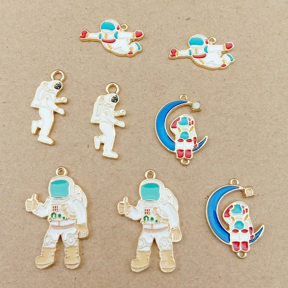 Cute Enamel Astronaut Space Man Charms Beads Jewellery Pendants Craft Cards