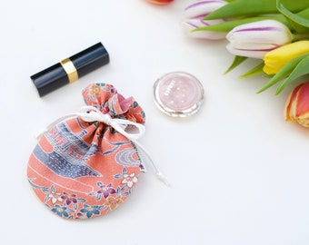 Jewel bag or small cosmetic bag, in vintage kimono silk, drawstring bag, Japanese fabric with floral pattern