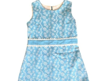 859796140 1960's peaches 'n cream baby blue & white floral sheath dress - size 7