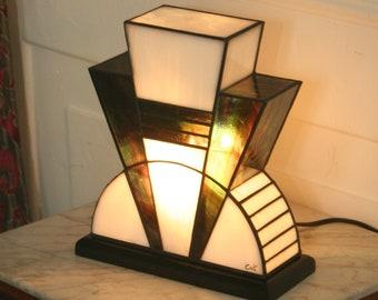 "Tiffany Art Deco Lamp ""1926"" (TM)"