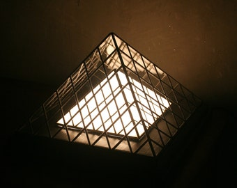 """Tiffany Art Contemporary Art """"Pyramids"""" stained glass lamp"""