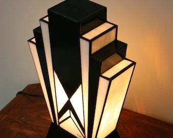 "Tiffany Lamp, Art Deco Lamp, Tiffany Window, Great Lamp to Lay ""1925"" N.B."