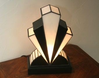 "Tiffany Lamp, Art Deco Lamp, Tiffany Stained Glass, ""1920"" Pose Lamp"