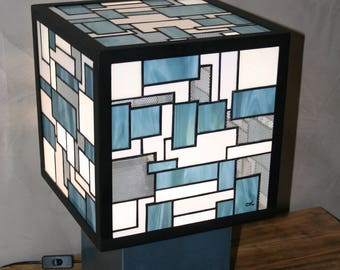 """Tiffany """"Labyrinthic"""" Stained glass lamp, Contemporary Art"""