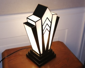 "Tiffany ""1924"" N.B Art Deco Lamp."