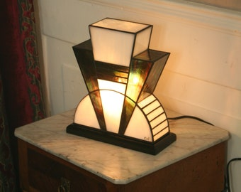 Tiffany lamp, Art Deco stained glass Tiffany lamp, table lamp