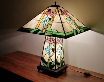 "Tiffany Art Nouveau Lamp, Tiffany Window, ""Floral"" Lay Lamp"