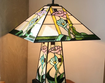 "Tiffany ""Floral"" Art Nouveau table lamp, stained glass Tiffany lamp"