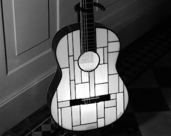 "Lamp Tiffany lamp Tiffany, Tiffany Applique...? Stained glass Tiffany lamp guitar ""Black and White"""