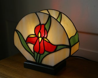 "Art Nouveau lamp, Tiffany lamp, Tiffany stained glass, ""Iris"" lamp"