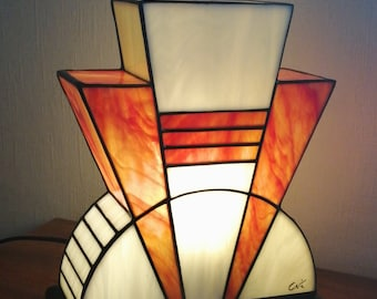 "Tiffany Lamp, Tiffany Art Deco Lamp, Tiffany Window, ""Carmine"" Pose Lamp (TS)"