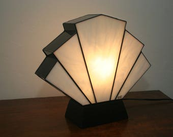 "Tiffany lamp, art deco lamp, Tiffany stained glass, ""Flabellum Blanche"" posing lamp"