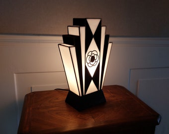 """Art Deco Lamp Stained Glass Tiffany """"1925 at Camellia"""" N.B."""