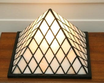 """Tiffany Art Contemporary Art """"Pyramid"""" stained glass lamp"""