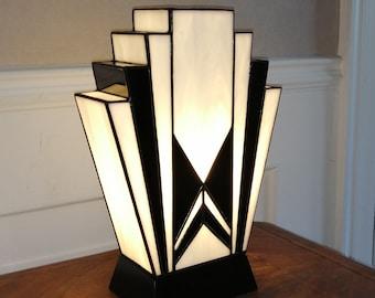 "Tiffany Art Deco Lamp ""1925"" B.N."