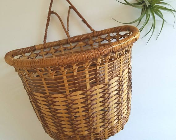 Vintage Wicker Brown and Cream Wall Plant Holder