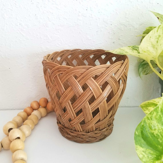 Brown Vintage Wicker Woven Basket/Planter