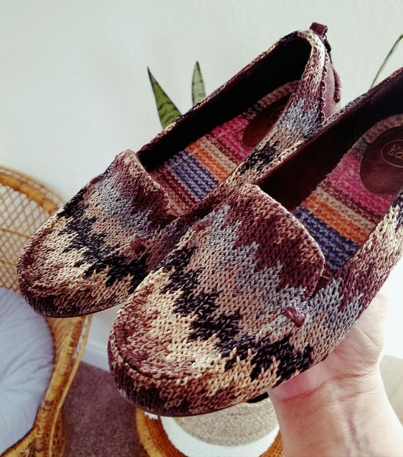 Women's Knit Crochet Earthtone Zigzag Slip On Shoe