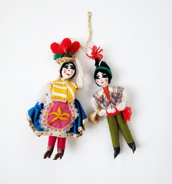 Small Vintage Man/ Woman Festive Portugal Dolls