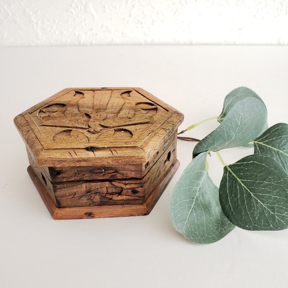 Wood Octagon Small Vintage Box