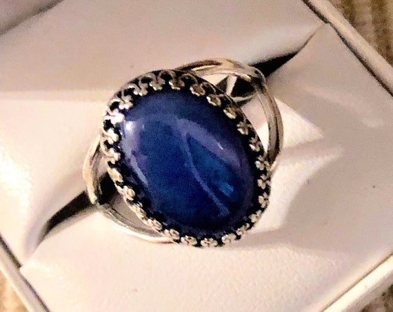 Blue Onyx Gemstone Ring with a Silver Plated Crown Bezel