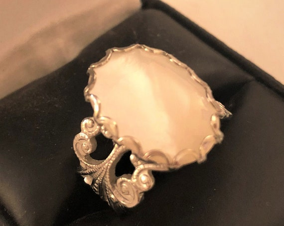 Mother of Pearl White Plated Filigree adjustable Ring.