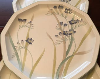 "Mikasa Nature's Garden ""Blue Freesia"" Set of 4 Dinner Plates - 10 Sided Plate - Japan"