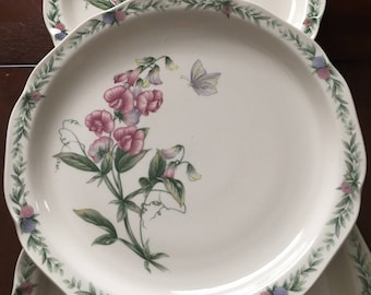 Noritake Conservatory Set of 5 Dinner Plates Gala Cuisine, Floral, Multimotif, Scalloped