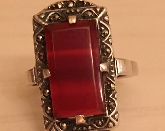 Vintage  Carnelian Cabochon Sterling Silver Marcasite Ring - size 6.75