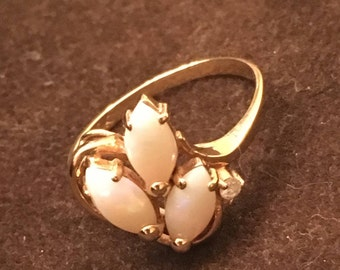 Opal 10K Gold Ring - Wms Size 6 - Small stone possible diamond on side