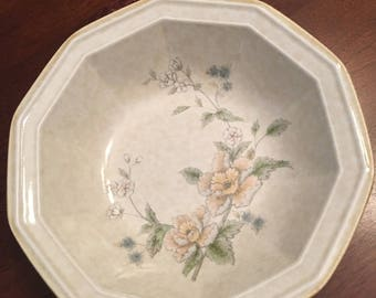 Mikasa Avante Napoli FE 903  1 (one) Cereal/Soup Bowl Polygon - 10 Sided Bowl Ivory Blue Yellow Floral Pattern