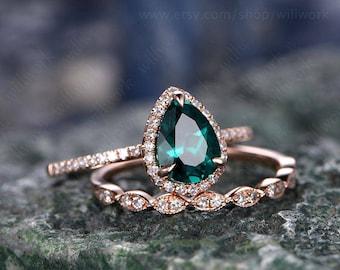 Green emerald engagement ring set rose gold emerald ring vintage diamond halo ring May birthstone ring 2pcs wedding ring set promise ring