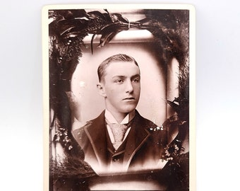 Cabinet Card - Memorial/Death Handsome young man, Des Moines, Iowa (circa 1900)