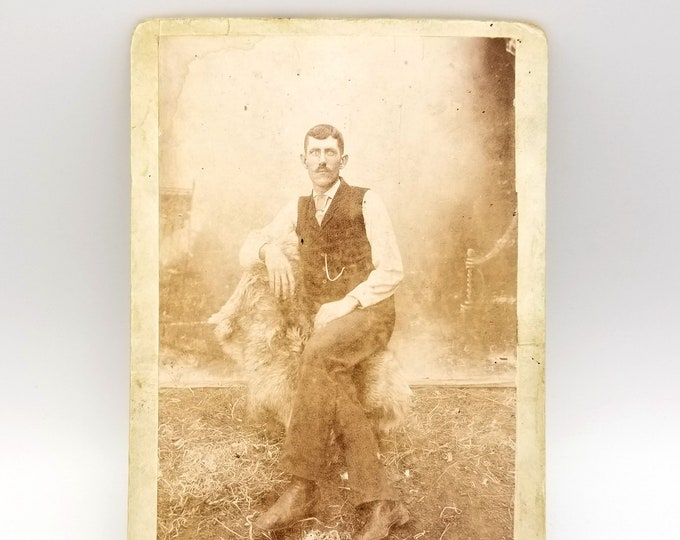 Cabinet card of C. R. White, Cape Horn (Washougal), Clark County, Washington (circa 1890)