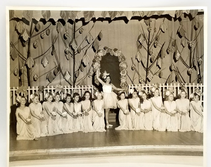 Photograph Grout Elementary School, Portland, Oregon - 1947 Fourth Grade Girls pageant - Dancers - Pageant