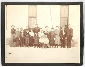 School photo at Hopewell, Yamhill County, Oregon 1904 Class Schoolhouse Willamette Valley