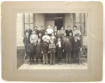 School photo at Washtucna, Adams County, Washington 1908 Schoolhouse Class