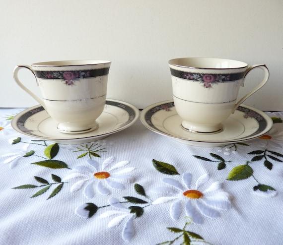 Vintage Noritake Chine Ivoire Etienne patron tasses à thé et soucoupes, tasses à boire, 2 coupe à pied et soucoupe en porcelaine ensemble, Chine