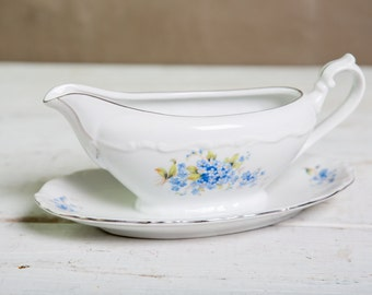 Vintage one piece gravy boat-Food Photography Prop