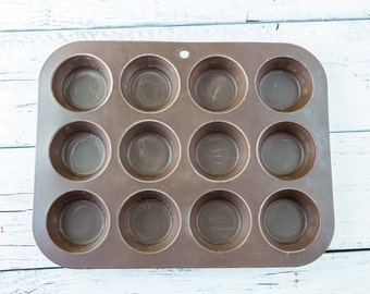 12 Cup Vintage Muffin/Cupcake Tin-Food Photography Props