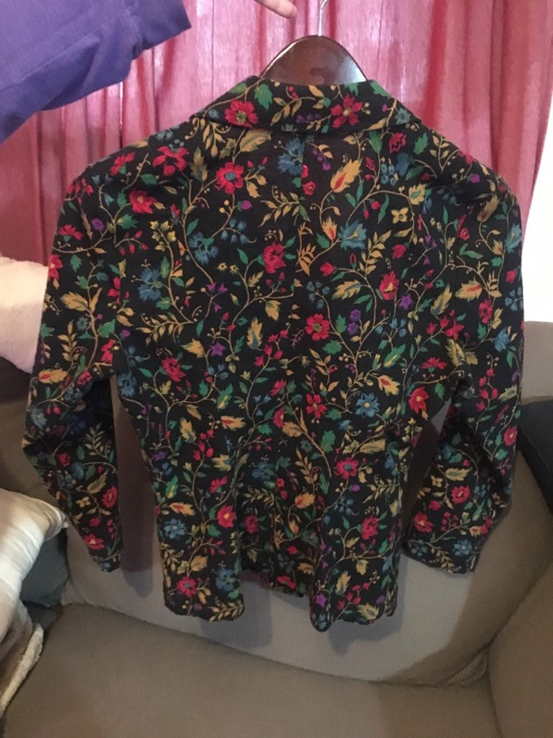 Vintage Betsey Johnson floral blazer perfect condition!