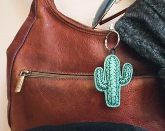 MINI cactus succulent interior plant green keychain felt embroid illustration/graphic design urban jungle sun garden tropical hand-made