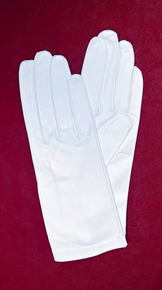 Vintage White Kid Dress Gloves ~ Size 8